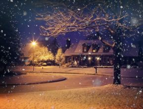 midnight-snow-1915907_1920.jpg