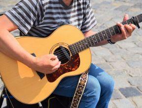 acoustic-guitar-daylight-guitar-2528985.jpg