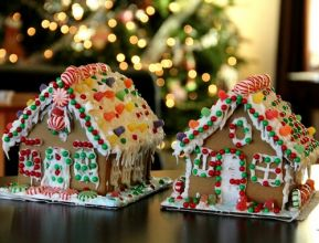gingerbread-house-286157_1920.jpg
