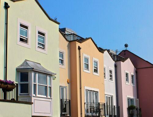 row-houses-196105_1920.jpg